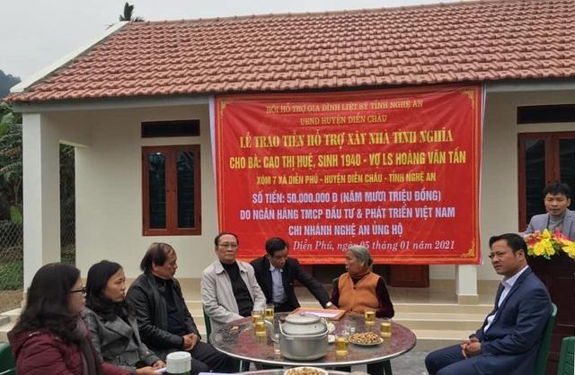 Hỗ trợ xây dựng gần 400 căn nhà tới thân nhân liệt sỹ - 1