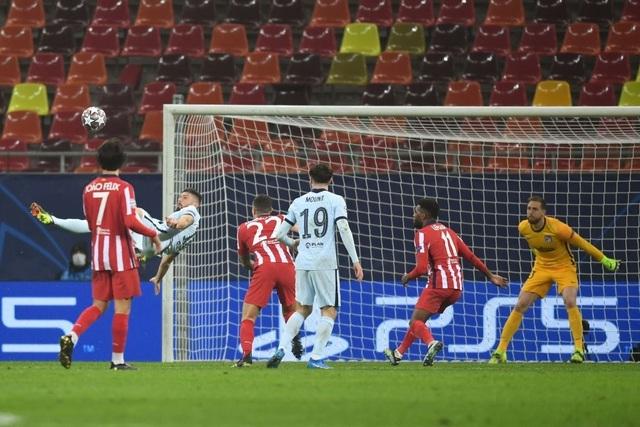 Atletico Madrid 0-1 Chelsea: Siêu phẩm xe đạp chổng ngược của Giroud - 3