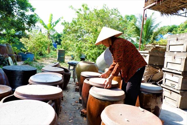 Chuyện về người phụ nữ gìn giữ nghề làm nước mắm ở Cần Thơ - 3