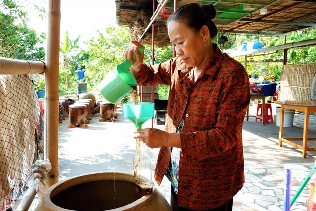 Chuyện về người phụ nữ gìn giữ nghề làm nước mắm ở Cần Thơ - 2