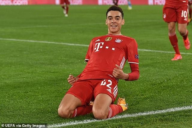 Lewandowski tỏa sáng, Bayern Munich thắng đậm Lazio - 3