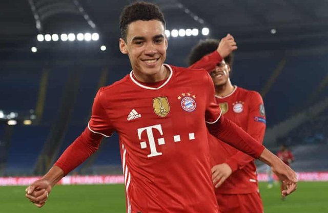 Cầu thủ 17 tuổi lập kỷ lục ở Champions League - 3