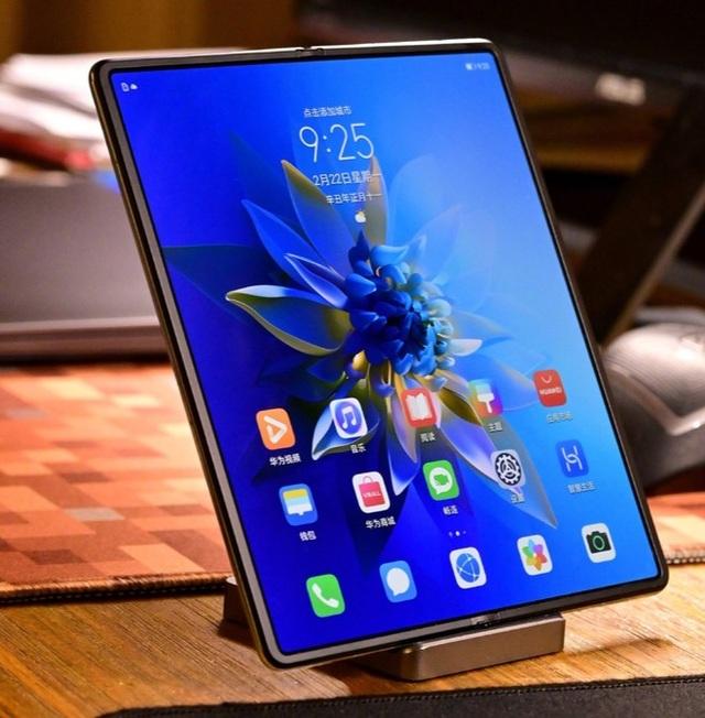 So sánh thiết kế của Huawei Mate X2 và Galaxy Z Fold2 - 8