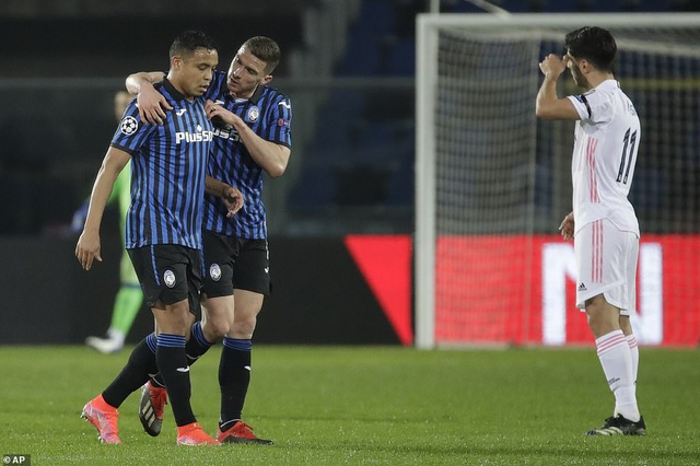 Đối thủ nhận thẻ đỏ sớm, Real Madrid nhọc nhằn đánh bại Atalanta - 7