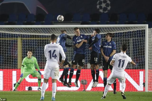 Đối thủ nhận thẻ đỏ sớm, Real Madrid nhọc nhằn đánh bại Atalanta - 3