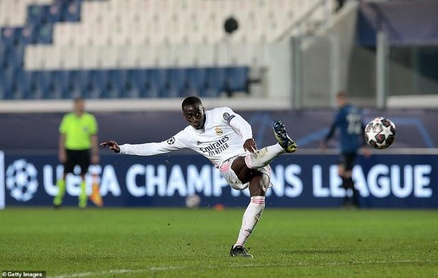 Đối thủ nhận thẻ đỏ sớm, Real Madrid nhọc nhằn đánh bại Atalanta - 5