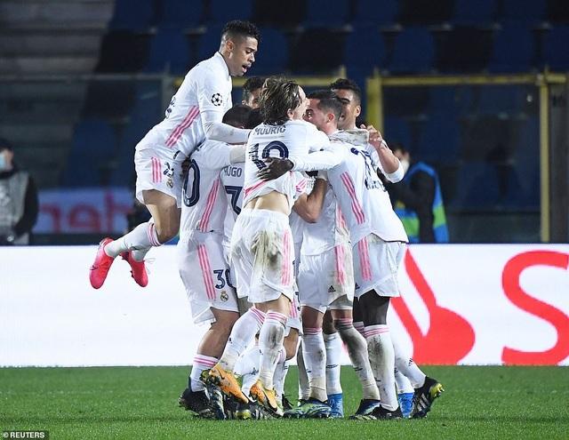 Đối thủ nhận thẻ đỏ sớm, Real Madrid nhọc nhằn đánh bại Atalanta - 8