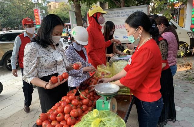 Người dân Thanh Hóa chung tay giải cứu nông sản Hải Dương - 3