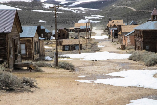 Điều bí ẩn bên trong thị trấn ma bị bỏ hoang gần 80 năm ở Mỹ - 1