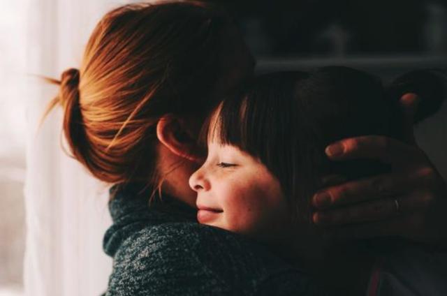 Ly hôn có khi là ví dụ tốt cho con về tình yêu và sự đồng hành - 1