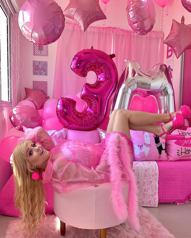 Nghiện màu hồng, cô gái trở thành búp bê sống chuyên nghiệp - 5