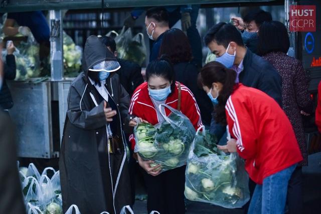 ĐH Bách khoa mua nông sản Hải Dương phát cho 2.000 cán bộ, giảng viên - 1