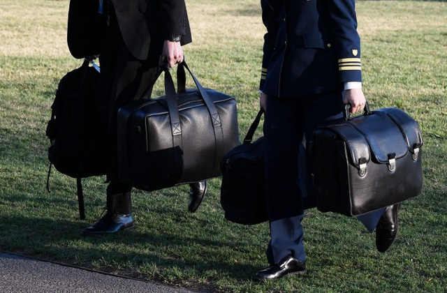 Nghị sĩ kêu gọi Tổng thống Mỹ từ bỏ quyền tùy ý tấn công hạt nhân - 1
