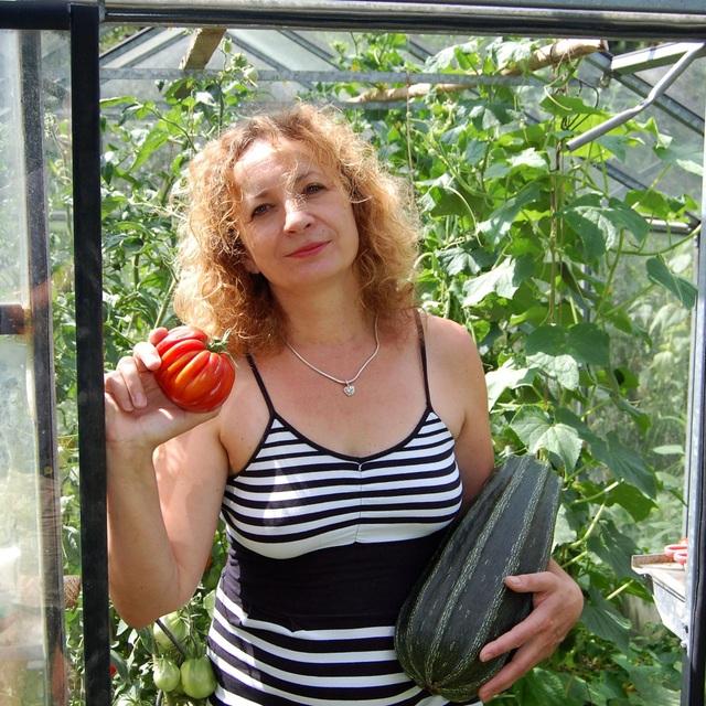 Khu vườn 100 năm tuổi quả gì cũng có của người phụ nữ yêu trồng trọt - 1