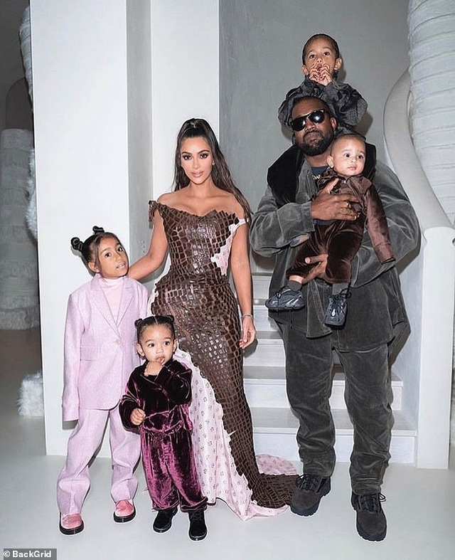 Kim Kardashian không cấm chồng gặp con - 3