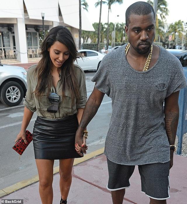 Kim Kardashian không cấm chồng gặp con - 8