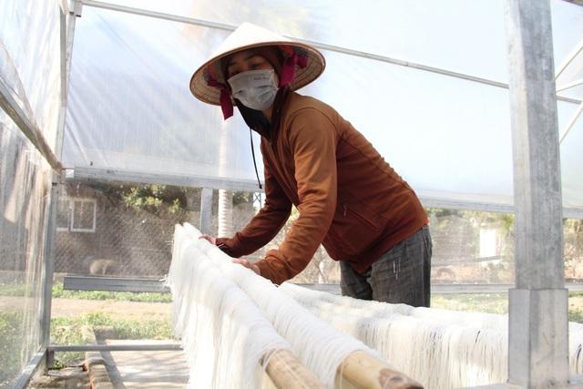 Thu nhập hàng chục triệu mỗi tháng từ làng nghề miến ở phố núi - 6