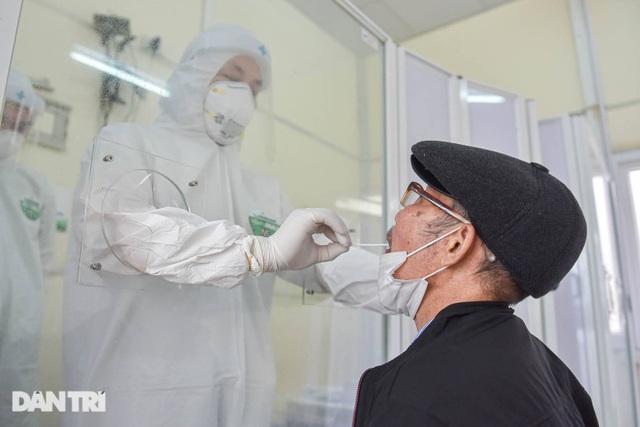 Nhiệm vụ đặc biệt của bác sĩ 23 năm cứu chữa bệnh nhân ung thư - 1
