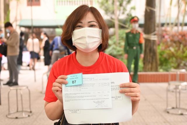 Hà Nội: Cô giáo trẻ vận động 50 người tham gia thử nghiệm vắc xin Coivd-19 - 4