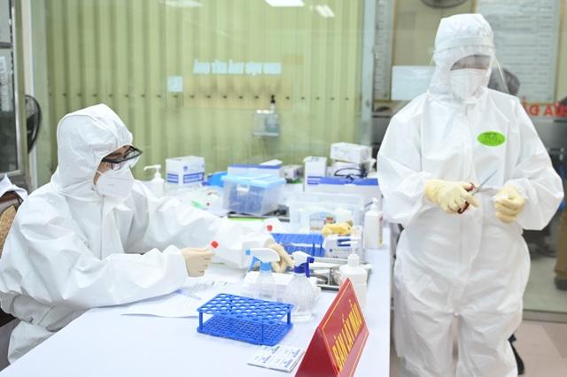Hà Nội: Cô giáo trẻ vận động 50 người tham gia thử nghiệm vắc xin Coivd-19 - 5