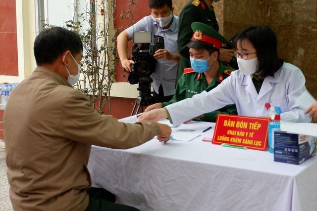 Hôm nay tiêm thử vắc xin Covid-19 Việt Nam giai đoạn 2 - 1