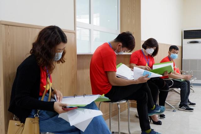 Hà Nội: Cô giáo trẻ vận động 50 người tham gia thử nghiệm vắc xin Coivd-19 - 2