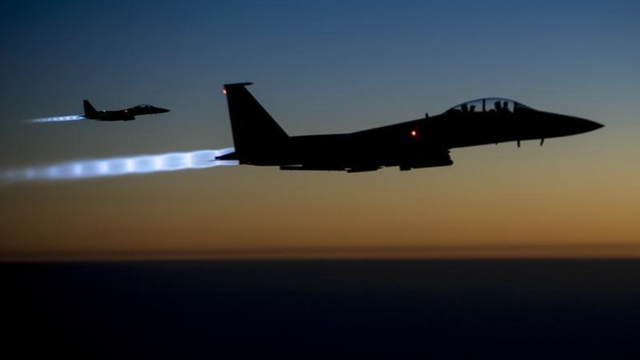 Ít nhất 17 người thiệt mạng trong vụ không kích của Mỹ ở Syria - 1
