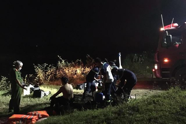 Vụ ô tô hất 2 học sinh xuống sông: Thêm một nạn nhân tử vong - 1