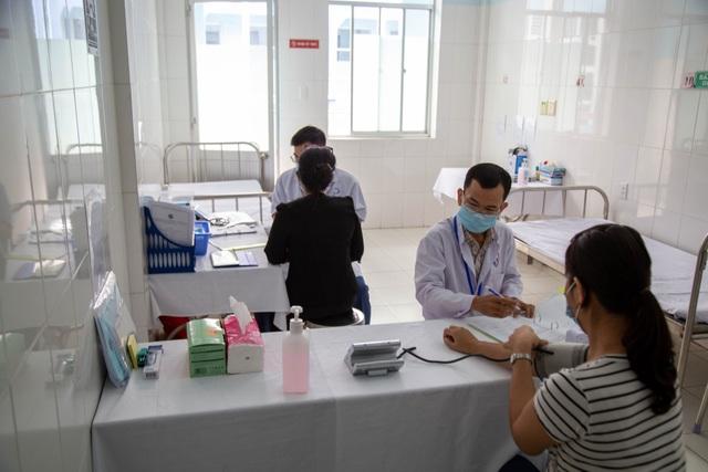 Chưa xảy ra tác dụng phụ nặng khi tiêm vắc xin Covid-19 sản xuất trong nước - 7