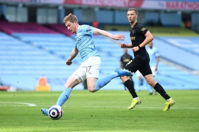 Man City 2-1 West Ham: Công bế tắc, thủ ghi bàn thay - 8