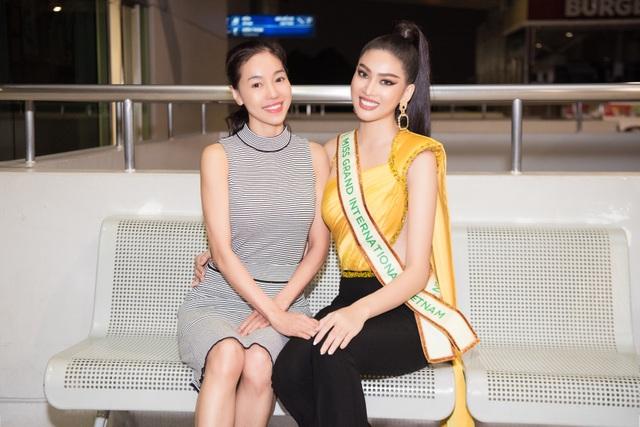 Phải cách ly, Ngọc Thảo mang 150kg hành lý sang Thái Lan dự thi - 5