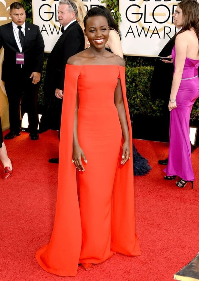 Những bộ váy đẹp lộng lẫy trên thảm đỏ Quả Cầu Vàng - 11