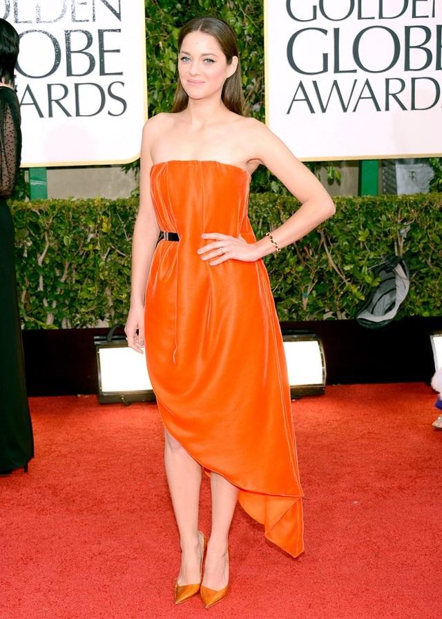 Những bộ váy đẹp lộng lẫy trên thảm đỏ Quả Cầu Vàng - 13