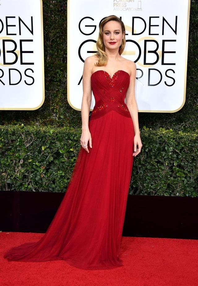Những bộ váy đẹp lộng lẫy trên thảm đỏ Quả Cầu Vàng - 7