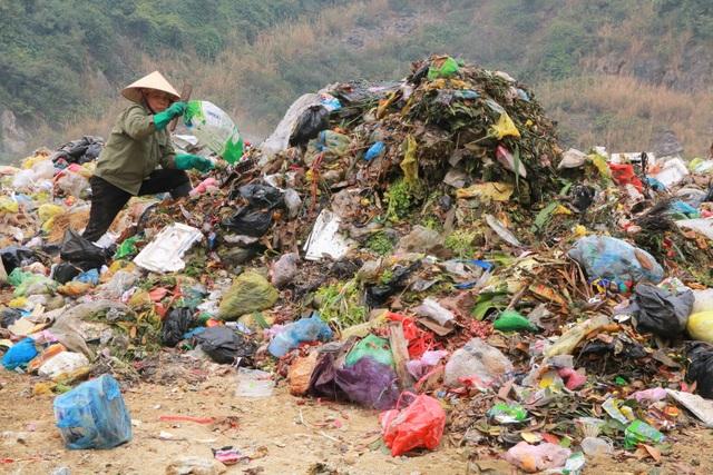 Chuyện những người quanh năm kiếm cơm ở… bãi rác - 2