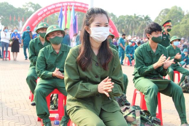 Nữ tân binh nhập ngũ: Nghĩa vụ bảo vệ Tổ quốc không riêng của nam giới - 2