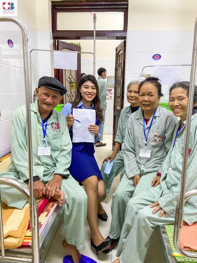 Những chiến sỹ áo blouse trắng mang nụ cười cho bệnh nhân ung thư - 16