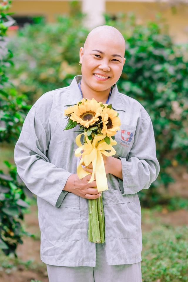 Những chiến sỹ áo blouse trắng mang nụ cười cho bệnh nhân ung thư - 8