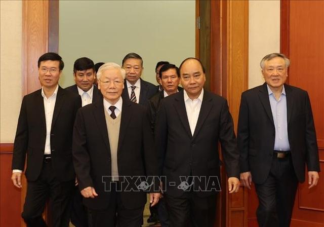 Bộ Chính trị gặp mặt các nguyên Ủy viên Bộ Chính trị, Ban Bí thư - 1