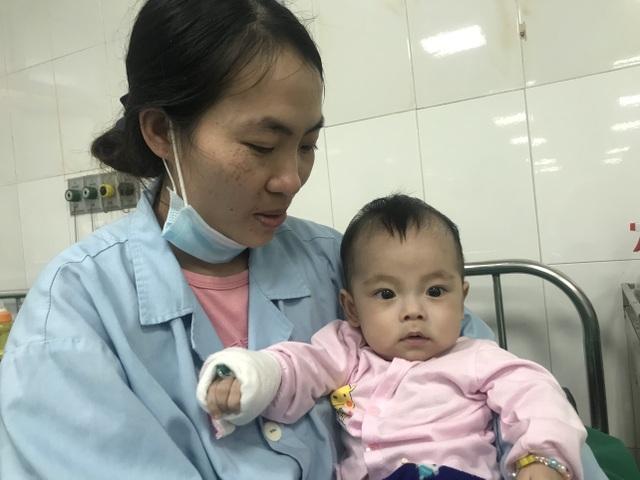 Đau nhói lòng cảnh cậu bé có trái tim kì lạ và căn bệnh hiếm gặp - 3