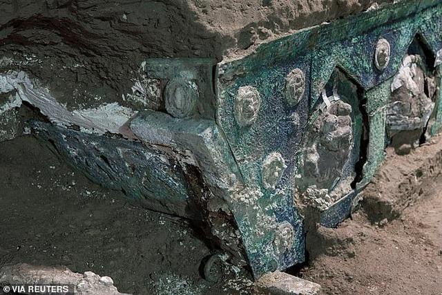 Chiến xa La Mã nguyên vẹn nhất vừa được tìm thấy - 5