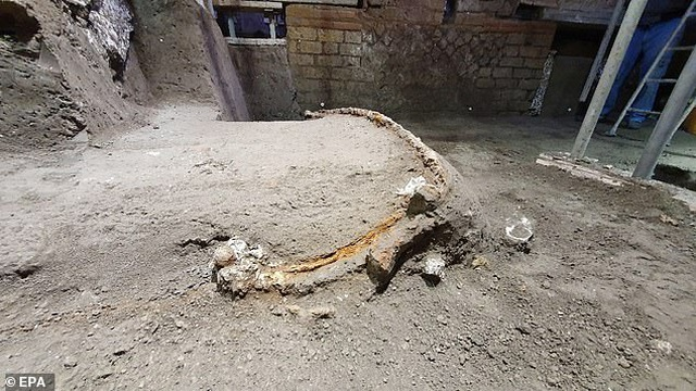 Chiến xa La Mã nguyên vẹn nhất vừa được tìm thấy - 6