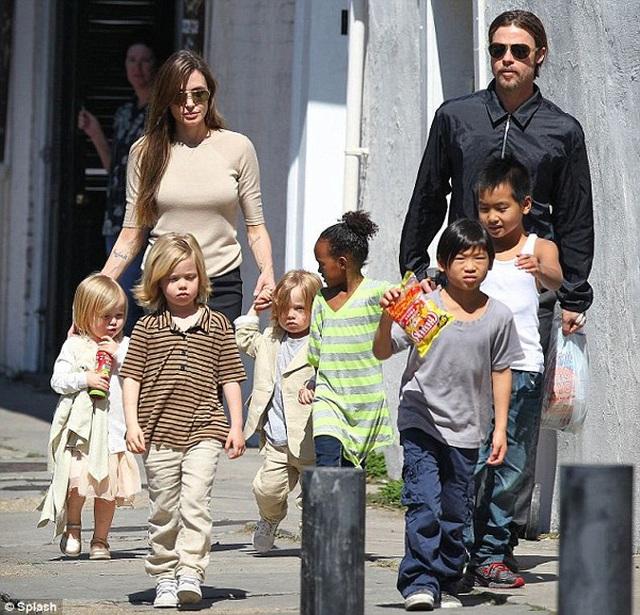 Diễn viên Angelina Jolie: Không giải thích cho con kiểu chuyện cổ tích - 2