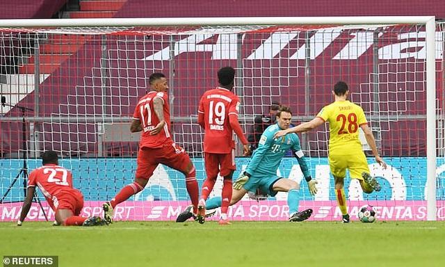 Lewandowski và Gnabry tỏa sáng rực rỡ, Bayern Munich vùi dập Cologne - 3