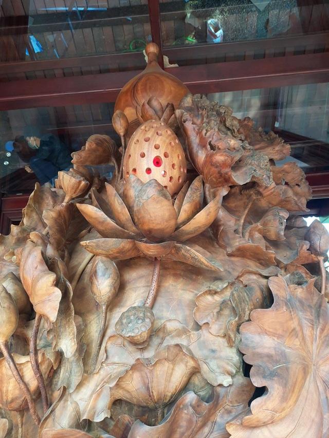 Choáng ngợp với bình hồ lô bằng gỗ, nặng 6 tấn độc nhất Việt Nam - 7