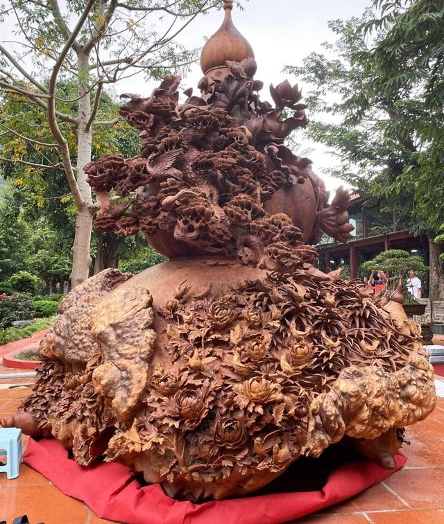 Choáng ngợp với bình hồ lô bằng gỗ, nặng 6 tấn độc nhất Việt Nam - 1