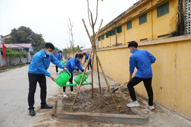 Phát động phong trào mỗi thanh thiếu nhi trồng mới và chăm sóc một cây xanh - 3