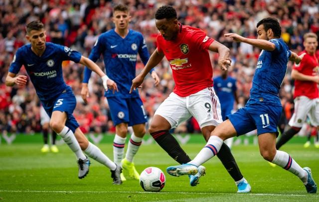 Man City - Man Utd: Kẻ rong chơi, người vất vả - 3