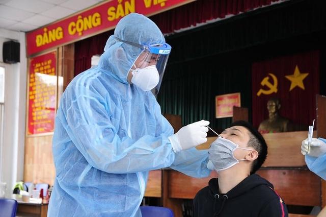 TPHCM: Xét nghiệm SARS-CoV-2  cho gần 4.000 thanh niên chuẩn bị nhập ngũ - 4