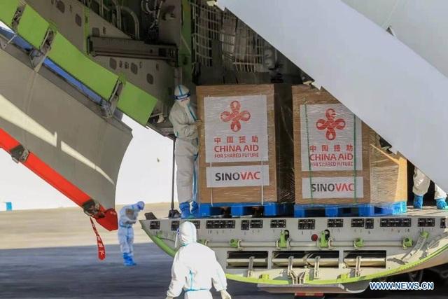 Tổng thống Philippines muốn tới Trung Quốc cảm ơn vì lô vắc xin viện trợ - 2